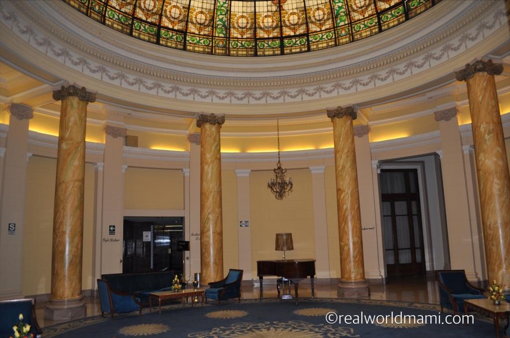 Hotel Bolivar entrance